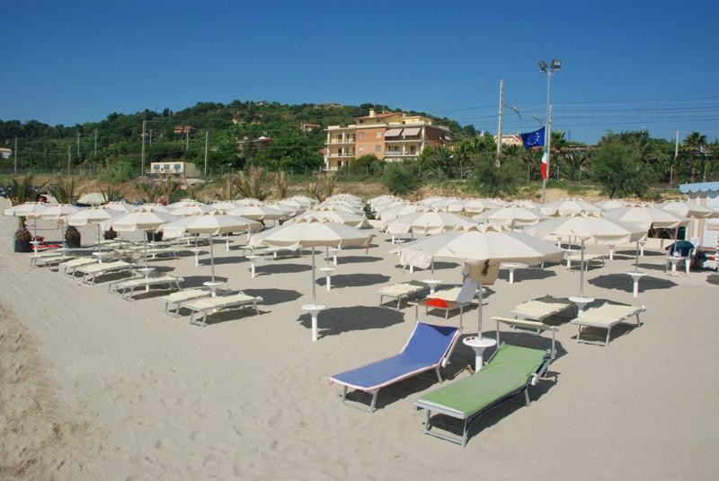 spiaggia-appartamenti-verdecchia